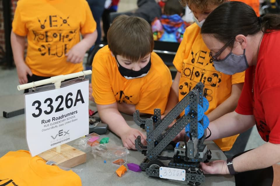 Three Council Bluffs Community School District Vex Robotics teams accepted bids to the 2021 Vex Robo