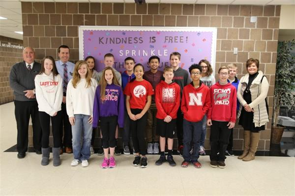 Kirn Students receive HyVee donation